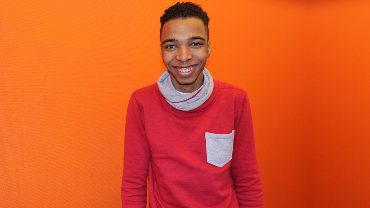 De in Nederland geboren Daniël (19) zit al vier weken vast, wordt gezien als illegaal